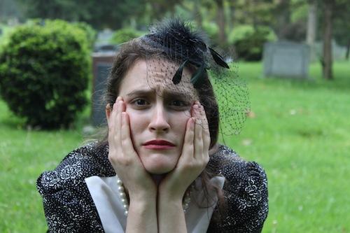 Jenna Turk as Dorothy Parker. Photo by Maya Rabinovitc