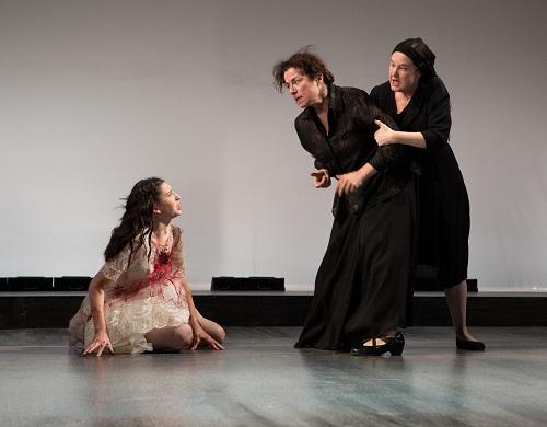 Hailey Gillis, Diane D'Aquila, and Caroline Gillis by Cylla von Tiedemann