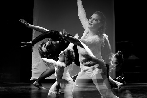 Picture of Maeghan Tuckey, Alex Papaconstantinou, Isabella de Almeida Aidar, and Rowynn Lloyd in Echoes.
