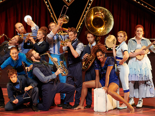 Photo of the cast of Cirque Éloize Hotel provided by the company