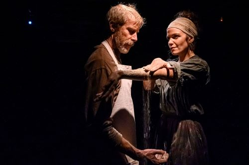 Picture of Diana Bentley and Jonathan Young in Knives in Hens by Dahlia Katz